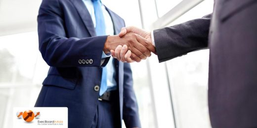 4 Types of Handshakes (And When to Use Them)